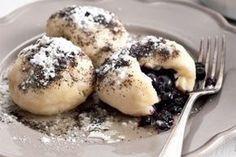 Nejjednodušší (a nejlepší) ovocné knedlíky - Slovakian sweet plum dumplings. Slovak Recipes, Czech Recipes, Slovakian Food, Sweet Dishes Recipes, Czech Desserts, Sweet Cooking, Sweet And Salty, Food 52, Desert Recipes