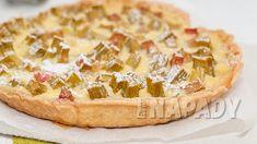 4 hlavní důvody, proč přijít rebarboře na chuť   Prima nápady Camembert Cheese, Sweets, Food, Gummi Candy, Candy, Essen, Goodies, Meals, Yemek