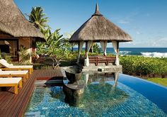 Pool at Shanti Maurice Resort, Mauritius. Let's visit! Villa Design, Conception Villa, Beach Pink, Beach Villa, Villa Pool, Beach House, Tropical Beaches, Tropical Homes, Mauritius