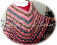 Colorful ponchos: knitting crochet poncho designs cheerleader edges Renkli pancolar: Tig isi ponpon kenarli orgu panco tasarimlari