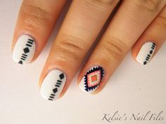 tribal nails // love these!