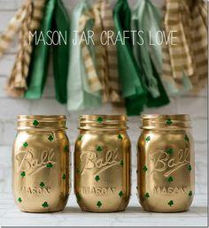 shamrock-mason-jars-st-pats-day-decor-Mason Jar Crafts Love