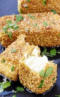 Fast & tasty: baked feta with sesame- Schnell & lecker: Gebackener Feta mit Sesam Delicious! Baked feta with sesame, this recipe is awesome for those in a hurry and still want to bring something special on the table … - Pumpkin Recipes, Veggie Recipes, Fish Recipes, Soup Recipes, Snack Recipes, Dinner Recipes, Cooking Recipes, Healthy Recipes, Brunch Recipes