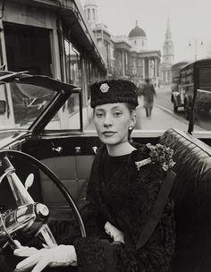 Trafalgar Square 1951 - Vogue. Photo by Norman Parkinson Phillips.