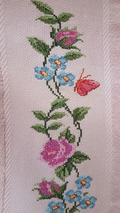 This Pin was discovered by Nes Cross Stitch Heart, Cross Stitch Borders, Cross Stitch Flowers, Cross Stitch Patterns, Cross Stitch Embroidery, Hand Embroidery, Embroidery Designs, Toco Toucan, Palestinian Embroidery