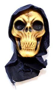 Severed Hanging Reaper Head - 324702 | trendyhalloween.com #reaper #reaperprop #halloween #halloweendecorations #halloweenprops