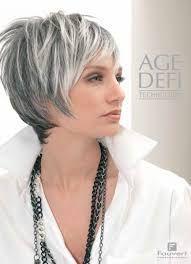 cheveux gris avec meches