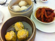 All-you-can-eat Dim Sum at Chou Ping Ji. Two locations: inside San Want Hotel (Zhongxiao Dunhua district) and near Q Square near Taipei Main Station. There are three all-you-can-eat sessions daily: 11:30-14:30, 14:30-16:30 and 17:30-21:30. It's NT$549 for adults and NT$299 for children for weekday lunch and afternoon tea, and NT$599 for adults and NT$329 for children at all other times. All prices are subject to a 10% service charge.
