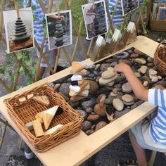 Reggio_rita on stacking rocks and blocks develops hand eye coordination fine motor skills cognitive development and problem solving skills Reggio Emilia Classroom, Reggio Inspired Classrooms, Reggio Classroom, Outdoor Classroom, Preschool Classroom Layout, Teaching Kindergarten, Teaching Art, Classroom Ideas, Montessori Activities