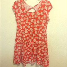 Joe B - XL Orange Sunflower Dress XL Sunflower Dress - 95% Cotton/5% Spandex. It's short, fun and flirty with a twist and cut out on the top of your back! Gently Used, Good condition! Joe B Dresses