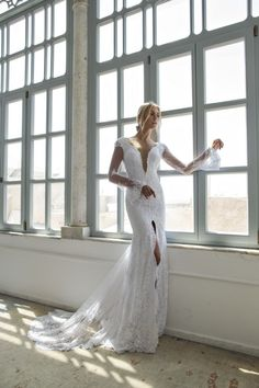 d i v a 5: Perfect wedding dress on We Heart It. xoxo