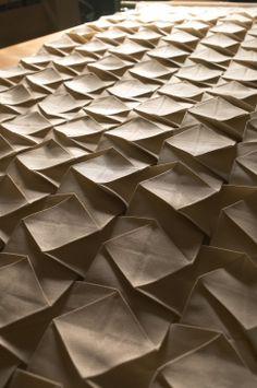 Fabric manipulation - 3D pleating - Pietro SEMINELLI Créateur textile, Maître plisseur, Maître d'Art 2006…
