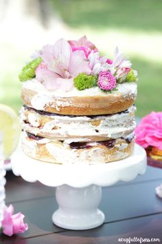 This Easy Naked Cake recipe is perfect for any occasion. Now when I say easy I really mean easy. Cupcakes, Cake Cookies, Cupcake Cakes, Homemade Desserts, Fun Desserts, Delicious Desserts, Summer Desserts, Nake Cake, Brownies
