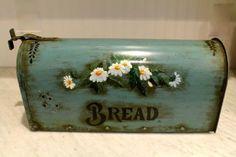 mailbox breadbox