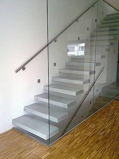 escalera de cemento alisado – Casa Web