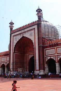 Entrance Jama Masjid – Old Delhi, India  