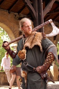 Indeed, the image of the Viking axe has deeply ingrained in the minds of people who care about Viking age. The Viking axe was subtly designed for speed, deadly attacks, and clever movements as well. Viking Garb, Viking Men, Viking Life, Viking Warrior, Viking Reenactment, Larp, Viking Wedding, Samurai, Viking Culture