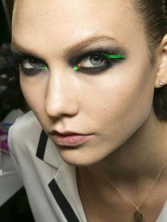 Eyeliner e tocchi fluo. #eyeliner #makeup #beauty #mascara #greeneyes