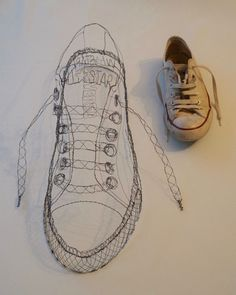 Shoe Fetish Wire Art Sculpture, Food Sculpture, Sculpture Projects, Wire Sculptures, Sculpture Ideas, Converse Trainers, Sneakers, Wire Drawing, Barn Art
