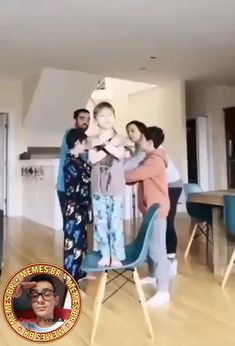 vídeos - The Effective Pictures We Offer You About diy clothes A quality picture can tell you many things. Funny Baby Memes, Funny Video Memes, Stupid Funny Memes, Funny Relatable Memes, Funny Babies, Videos Funny, Funny Posts, Cute Funny Animals, Hilarious Memes