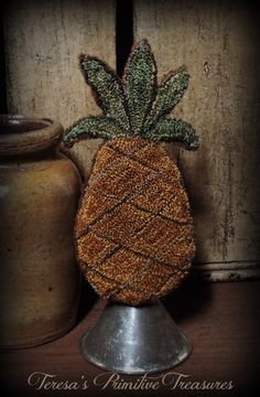 This sweet little pineapple stands 7 tall. The pineapple is punched with Valdani threads in brown, mustard and green and Pineapple Vintage, Small Mats, Punch Needle Patterns, Prim Decor, Penny Rugs, Floral Rug, Primitive Crafts, Wool Applique, Felt Ornaments