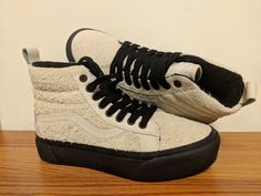 VANS New Hi Vault Ladies size 7 (or Kid size Authentic. Size  US Suede    Leather upper. a5a56039420