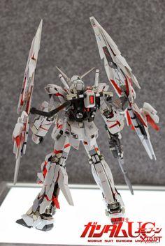 GUNDAM GUY: MG 1/100 Unicorn Gundam w/ Armed Armor DE - Customized Build