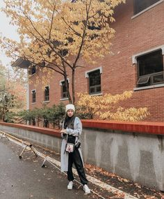 Smurf di fotoin @helminursifah Hipster, Ootd, Travel, Instagram, Random, Style, Fashion, Moda, Hipsters