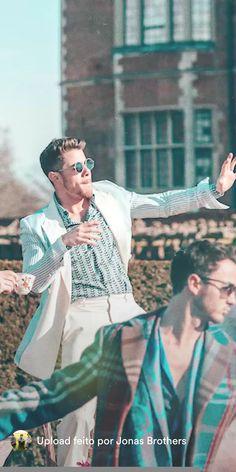 For everything Jonas Brothers check out Iomoio Camp Rock, Kellan Lutz, Elizabeth Gillies, Jonas Brothers, Nick Jonas, Natalie Portman, Funny Design, Robert Pattinson, No One Loves Me