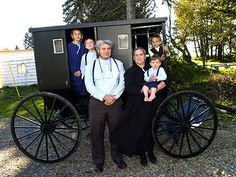 Yeferline G: A folk culture is the lifestyle of a culture that revovles around traditions passed down by generations. This is an Amish family. They are a great example of folk culture because they stay true to their traditions and ignore outside influences.