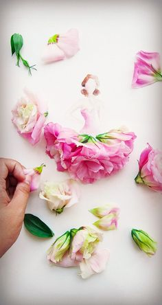 """Flower Girls Malaysian artist Lim Zhi Wei has created this beautiful watercolor illustration series titled """"Flowergirls"""" depicting elegant girls wearing lovely dresses made of real flowers Art Floral, Floral Watercolor, Watercolor Illustration, Illustration Flower, Arte Fashion, Floral Fashion, 3d Fashion, Flower Petals, Flower Art"""
