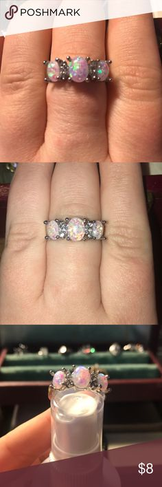 Costume Jewelry sz 8.5-9 Three stone faux opal ring set in silver colored metal Size is between an 8.5 and a 9 Jewelry Rings