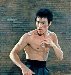 Return Of The Dragon, Way Of The Dragon, Bruce Lee Chuck Norris, Tiger Dragon, Indian Yoga, Ultimate Dragon, Bruce Lee Photos, Jeet Kune Do, Native American Images