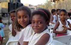 Afro-Mexicans (mexicanos negros) are Mexicans who are mostly of African ancestry. Afro-Mexicans who used to be found in every part of Mexico. Afro, Mexico People, I Love Being Black, Costa, Mexicans, African Diaspora, People Of The World, African American History, Famous Faces