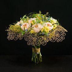 What an amazing bouquet! Love the scroll-work. Max van de Shlyusom