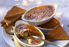 Crème brûlée au foie gras et fruits secs au muscatUne manière chic et largement approuvée par les gourmands d'accommoder le traditionnel foie gras de Noël.
