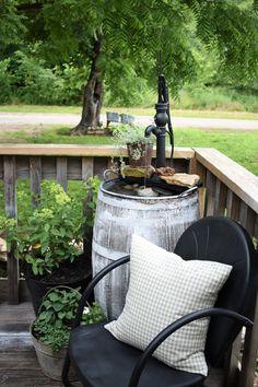 Porch Farmhouse Style Mini Pond Deck Fountain #deckdesigner