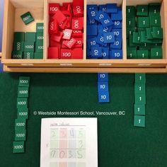 Montessori Math material - Multiplication using the stamp game. Montessori Kindergarten, Montessori Elementary, Montessori Classroom, Montessori Activities, Elementary Math, Fourth Grade Math, Math Work, Montessori Materials, School