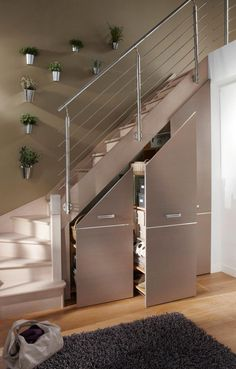 Often wasted, the available space (Ideas on How To Use Under Stairs as Saving Storage) below the stairs is synonymous with square meters in our favor. Staircase Storage, Stair Storage, Staircase Design, Diy Storage Under Stairs, Small Staircase, Basement Storage, Modern Staircase, House Stairs, Stairs To Loft