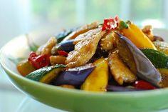 Dak Yachae Bokkeum (Stir-fried Chicken and Vegetables) | Korean Bapsang