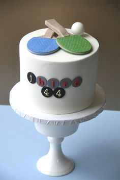 Ping Pong Cake - The paddles look great!