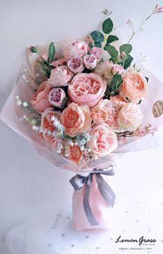 Lemon Grass - All About Faux Flowers, Love Flowers, Silk Flowers, Paper Flowers, Beautiful Flowers, Wedding Flowers, Bouquet Wrap, Gift Bouquet, Faux Flower Arrangements