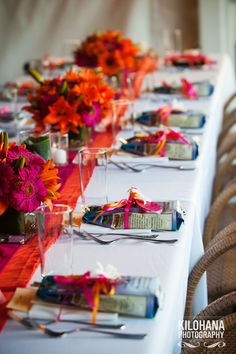 Kauai Wedding Table setting at Plantation Gardens Restaurant with bags of Kauai Coffee as guest favors. Love the colors! Best Travel Coffee Mug, Best Coffee Mugs, Kauai Coffee, Coffee Favors, Hawaiian Coffee, Coffee Games, Kauai Wedding, Destination Wedding, Art