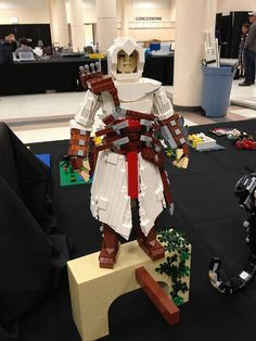 A very talented gal or guy created this Lego assassin (I'm unclear on if it's supposed to be Altair, Ezio, or a generic assassin, though I'm leaning toward the first) at this year's BrickCon.