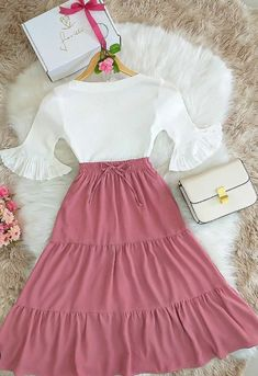 Cute Modest Outfits, Pretty Outfits, Stylish Outfits, Cute Dresses, Beautiful Dresses, Old Fashion Dresses, Fashion Outfits, Jw Mode, Girls Frock Design