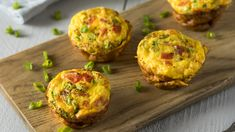 Muffin Tin Quiche with Spinach, Tomato and Bacon - 31 Daily Omelette Muffins, Low Carb Egg Muffins, Healthy Muffins, Healthy Low Carb Recipes, Healthy Breakfast Recipes, Healthy Breakfasts, Healthy Protein, Protein Breakfast, High Protein