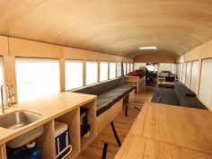 Home sweet bus: Student converts old school bus into versatile mobile home (Video)