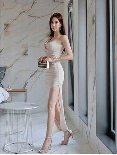 Beautiful Asian Women, Beautiful Legs, Korean Girl Fashion, Good Looking Women, Colorful Fashion, Asian Woman, Fashion Boutique, Asian Beauty, Evening Dresses