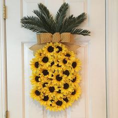Hawaiian wreath - pineapple sunflower wreath pineapple wreath spring wreath summer wreath fruit wreath aloha wreath welcome wreath hawaiian wreath Summer Crafts, Diy And Crafts, Summer Diy, Beautiful Symbols, Sunflower Wreaths, Floral Wreaths, Welcome Wreath, Front Door Decor, Front Doors