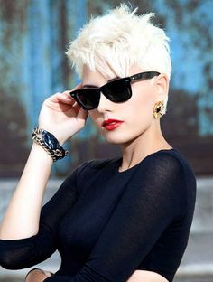 Short blonde pixie haircut~so savy on her. Short Hair Styles Easy, Short Hair Cuts For Women, Short Hairstyles For Women, Blonde Hairstyles, Trendy Hairstyles, Hairstyles 2016, Spring Hairstyles, 80s Short Hair, Shaggy Hairstyles
